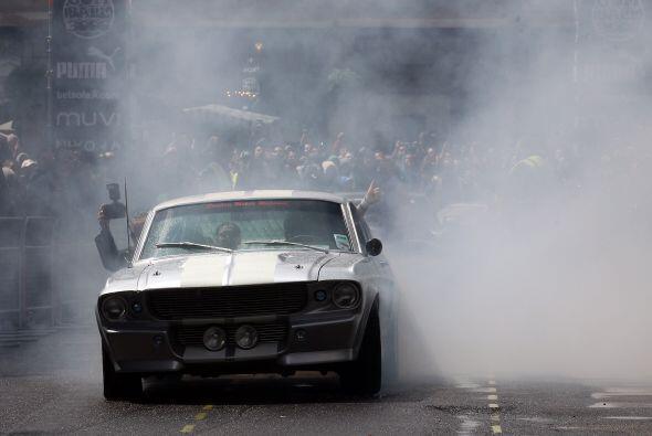 El Gumball 3000 es un rally anual de automóviles de lujo que atrae estre...
