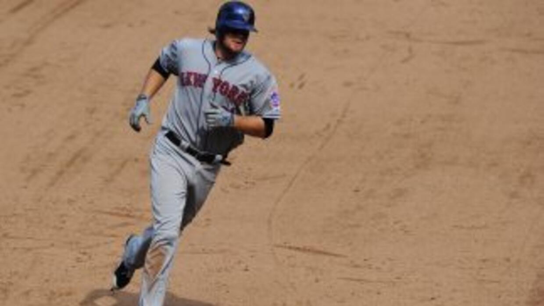 Lucas Duda pegó un vuelacercas para dar la ventaja a los Mets, que no la...