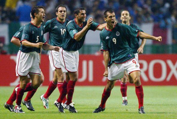 México sorprendió a los italianos, ya que con un magnifico gol de Borget...
