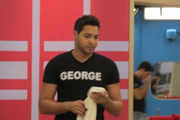 George estaba bastante triste pero no tanto por Ayelene si no de pensar...