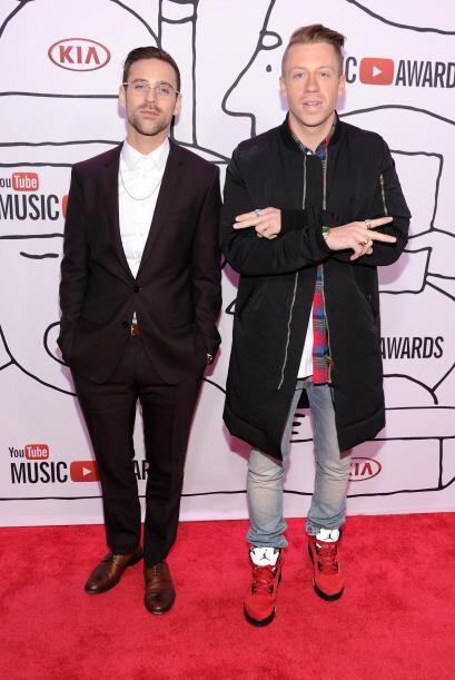 El dúo Mckelmore fue galardonado con el premio 'Revelación YouTube'. El...