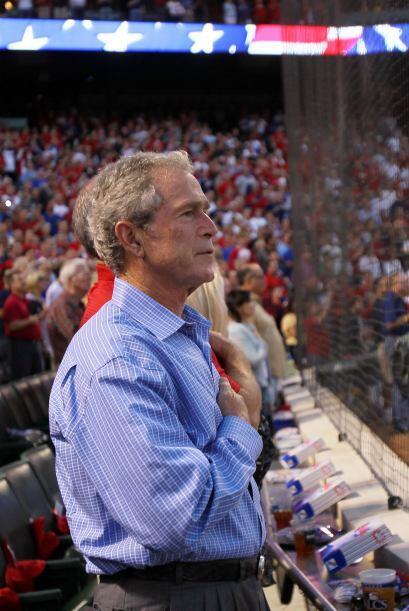 El ex presidente de los Estados Unidos y dueño parcial de los Texas Rang...