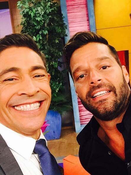 """""""Foto para el recuerdo con mi Panita y compatriota Ricky Martin, que hoy..."""