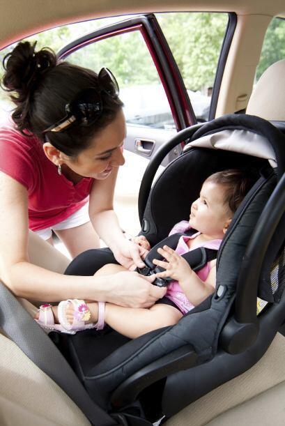 Tu bebé debería viajar en el asiento trasero y nunca con el 'airbag' del...