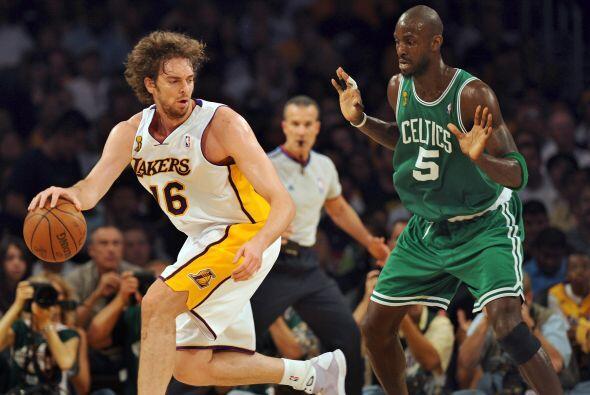 En la temporada 2007-2008, los Lakers perdieron las Finales ante los Cel...