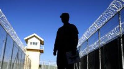 Autoridades de NY permitiran revisar el estatus migratorio de los reos d...