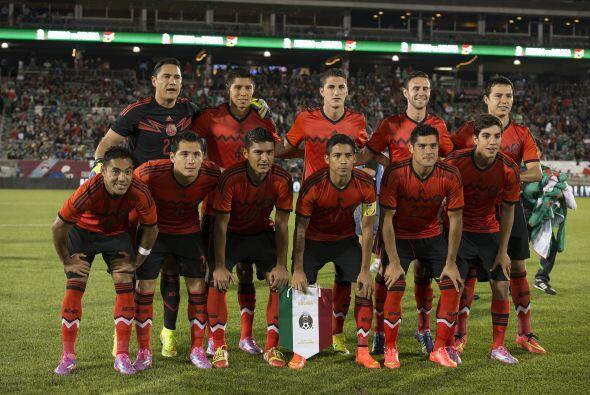 La Selección Mexicana viene de vencer 1-0 a Bolivia en Denver tras empat...