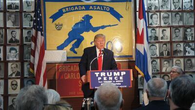 Trump le devuelve el favor al núcleo duro del exilio cubano en Miami tru...