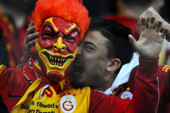 El infierno turco recibió la visita del Manchester United.