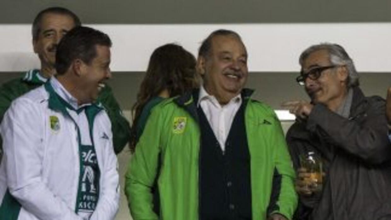 Carlos Slim disfrutó del encuentro de fútbol.