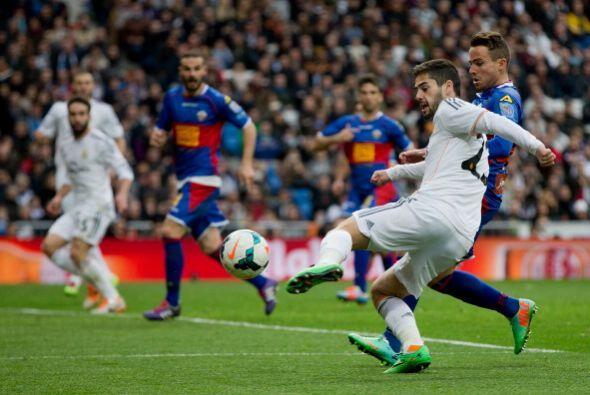 El malagueño tuvo premio al hacer el último gol del partido.