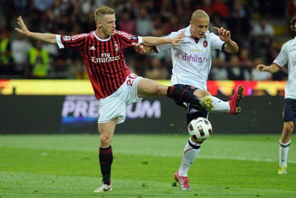 Milan jugó sin presión pero buscó el triunfo para regalarle otra alegría...