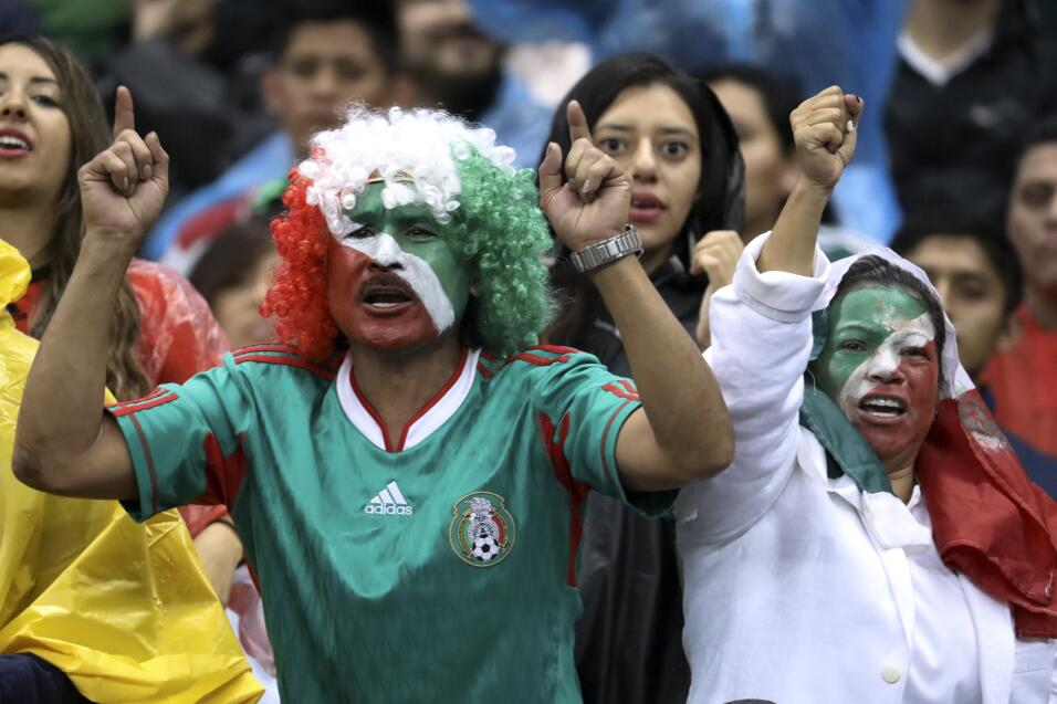 """Infantino: """"Gracias a Argentina el fútbol hoy es lo que es"""" AP_172451286..."""