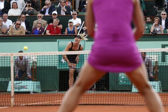 37 tiros ganadores hicieron a Maria Sharapova lucir imponente.