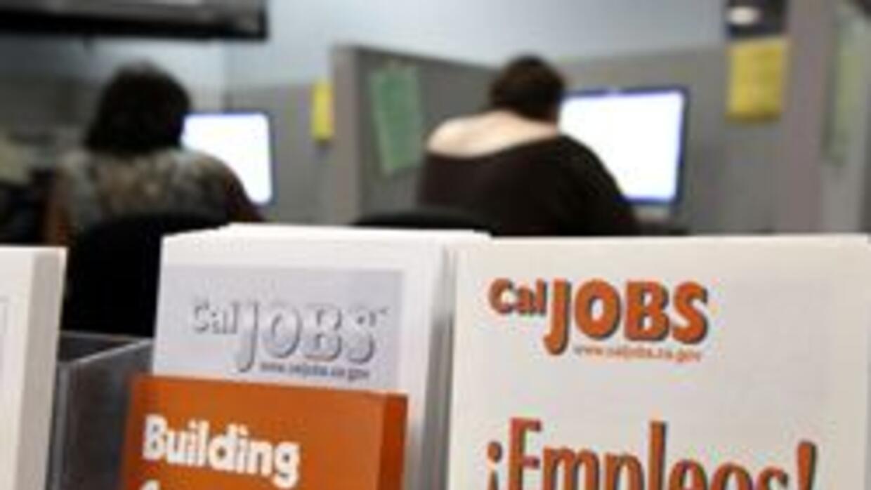 8 mil personas en GA sin cheques de desempleo 95a59591d8b949dfab13a6d58e...