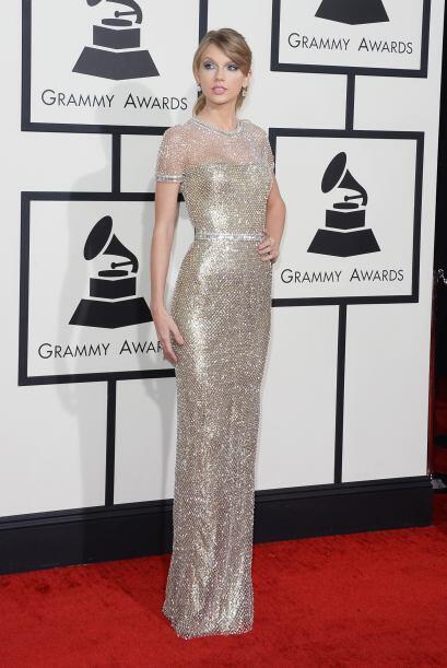 Taylor Swift uso un vestido de Gucci en los Premios Grammy con un vestid...