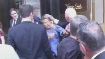 Hispano denuncia agresión por parte de uno de los agentes de seguridad d...