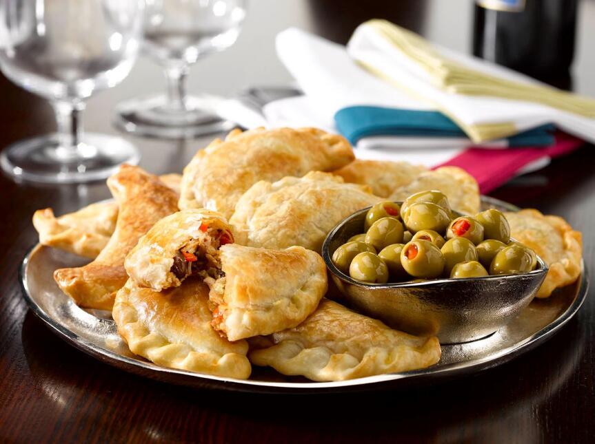 Disfruta este verano con platillos inolvidables empanadas-argentinas.jpg