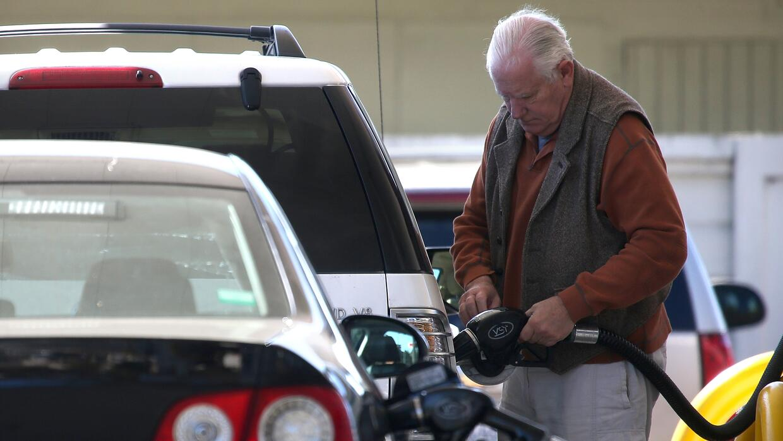 La bajada progresiva de los precios de la gasolina beneficia el fin de s...