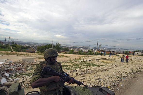 El gobierno resaltó el refuerzo de los soldados del Ejército para garant...
