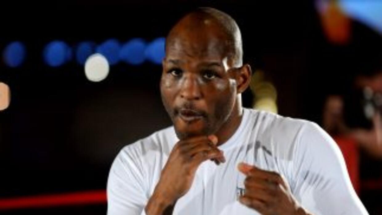 Bernard Hopkins quiere ser el boxeador más viejo en convertirse en campe...