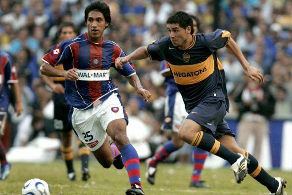 Juan Román Riquelme nació el 24 de junio de 1978, un día antes de que Ar...