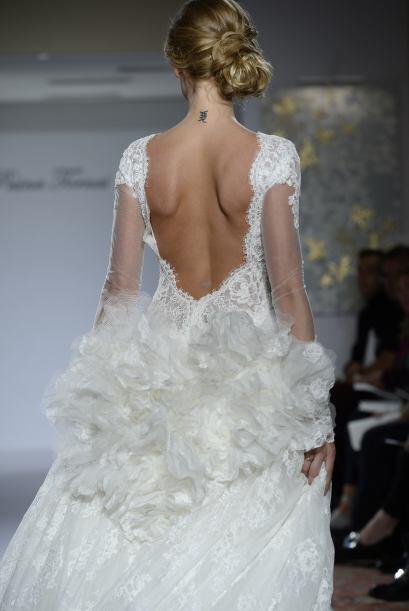 Al entallar de esta forma la figura de la novia, denotan mucha sensualid...