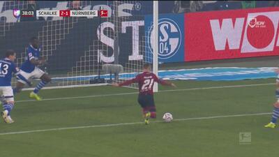 Locura de primer tiempo: el Nürnberg acorta distancias con el 2-1
