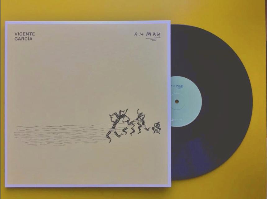 """Publicó su segundo álbum en 2016 """"A la Mar"""" bajo el sello de Sony Music...."""