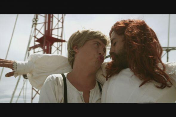 Un momento romántico que cerrarían con un beso.