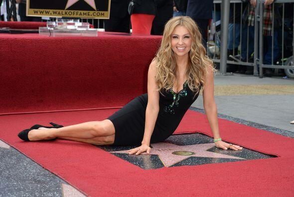 Thalía acaba de recibir su estrella en el Paseo de la Fama de Hollywood.