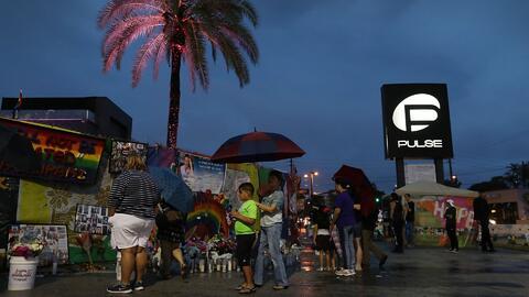 Por primera vez desde la masacre, el club Pulse enciende sus luces en ho...
