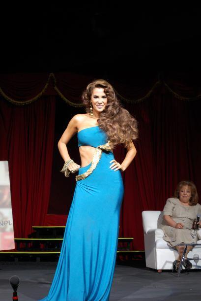 Ninel Conde como Aventurera se presentó en San José    La exuberante y d...