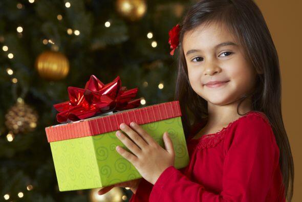 ¿No sabes lo que tu niño escribió en su listita navideña para Santa Clau...