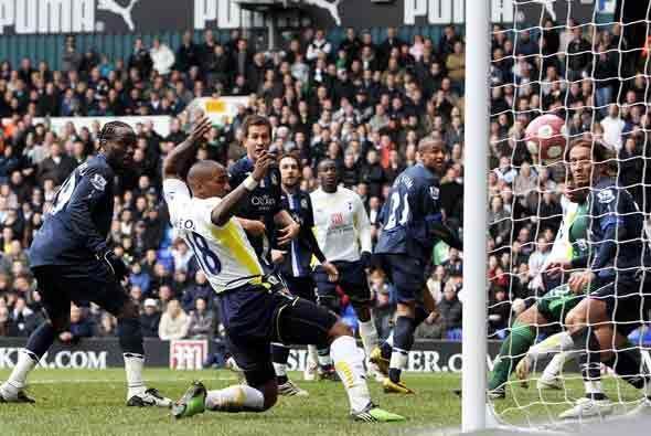Tottenham le ganó 3-1 al Blackburn. Este fue el gol de Jermain Defoe.