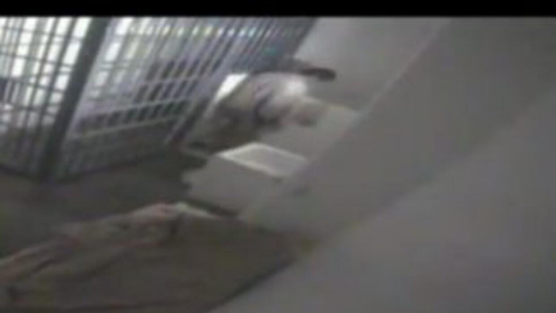 El Chapo segundo antes de darse a la fuga.