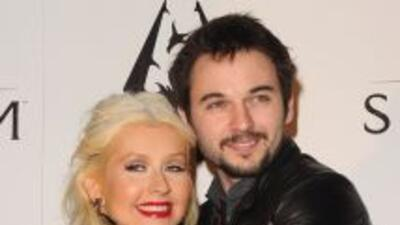 Christina Aguilera anunció en su cuenta de Twitter que estaba comprometi...