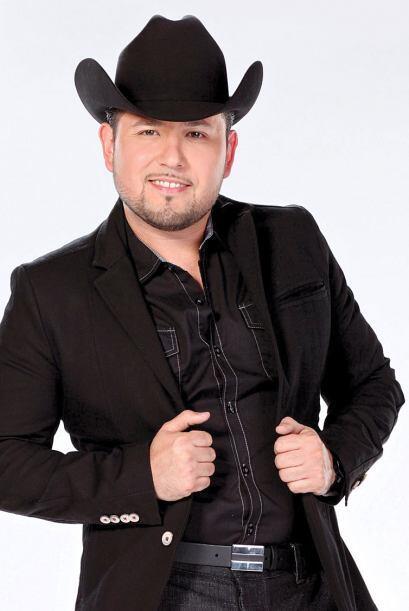 Para celebrar el Festival de Mayo también llegará Roberto Tapia.