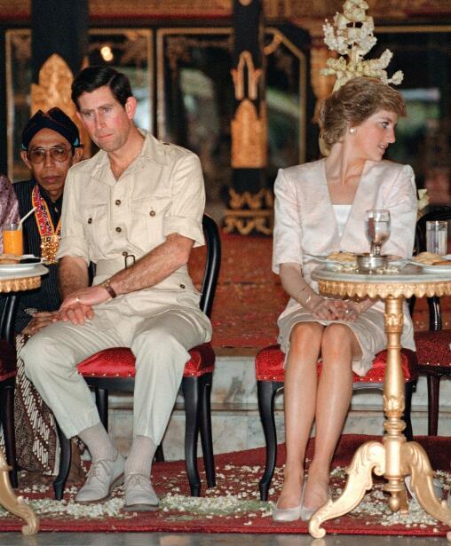Pero al momento de su divorcio, la princesa Diana iba a perder su título...