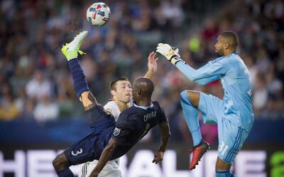 Ike Opara gol de chilena Sporting KC vs LA Galaxy