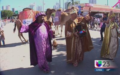 46 años de la tradicional Parada de Reyes Magos