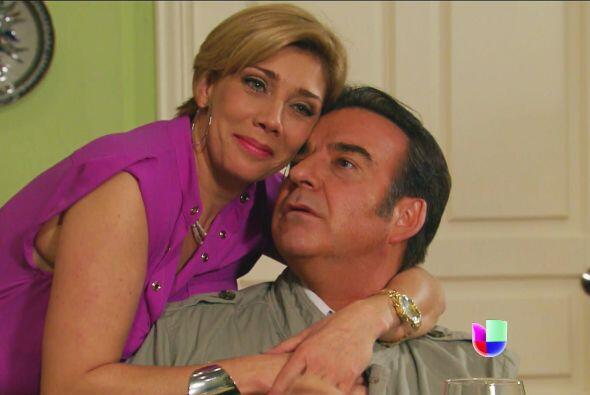 Los padres de Valeria son los que andan más que emocionados con la boda.
