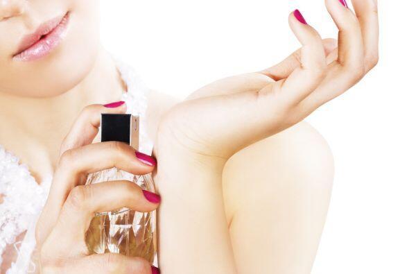 'Don't': frotar tus muñecas al aplicarte perfume. Es la mejor manera de...