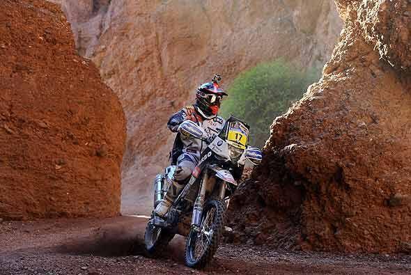 El portugués Paulo Goncalves se abrió paso a toda velocida...