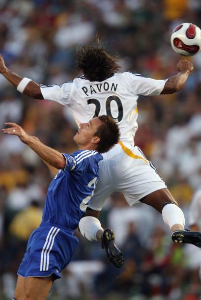 La MLS no podía estar ausente de su carrera, jugó en el 2007 junto a Dav...