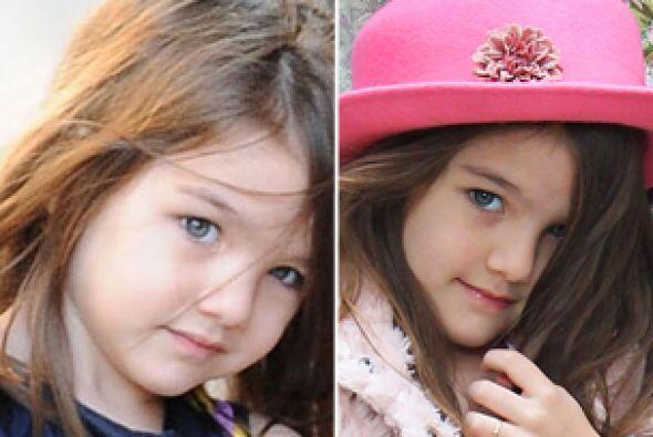 La hija de Katie Holmes y Tom Cruise cada día está más grande y encantad...
