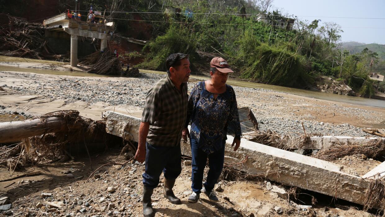 La infraestructura de la isla quedó en muchas zonas por el suelo, como e...