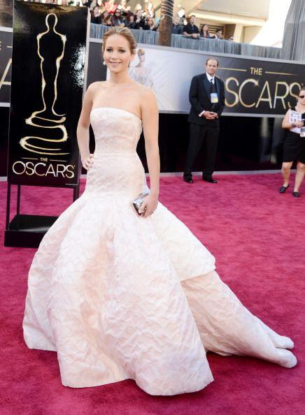 Jennifer Lawrence fue una de las más elegantes en la alfombra de 2013 co...