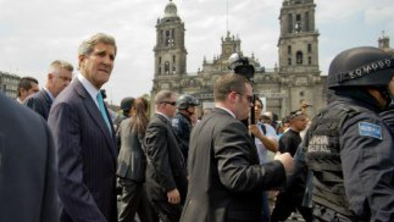 Kerry acompañado del canciller, José Antonio Meade, quien indicó que est...