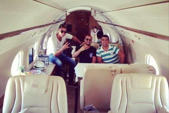 Cristiano Ronaldo colgó una imagen dentro de un avión privado aunque no...